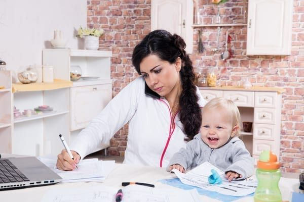 The proposed law would assist parents in sharing childcare (Photo: Shutterstock)